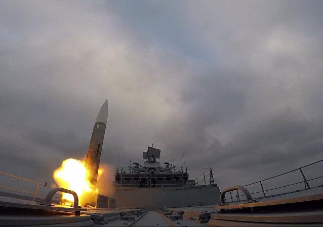 Fregata Admirał Makarow wykonała wystrzały rakietowe