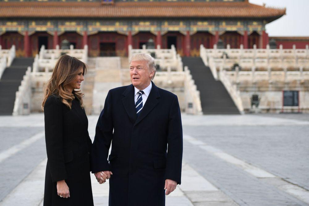 Melania i Donald Trump podczas wizyty w Zakazanym Mieście w Pekinie