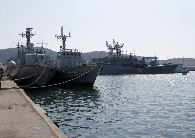 Okręty marynarki wojennej Czarnogóry w porcie Bar