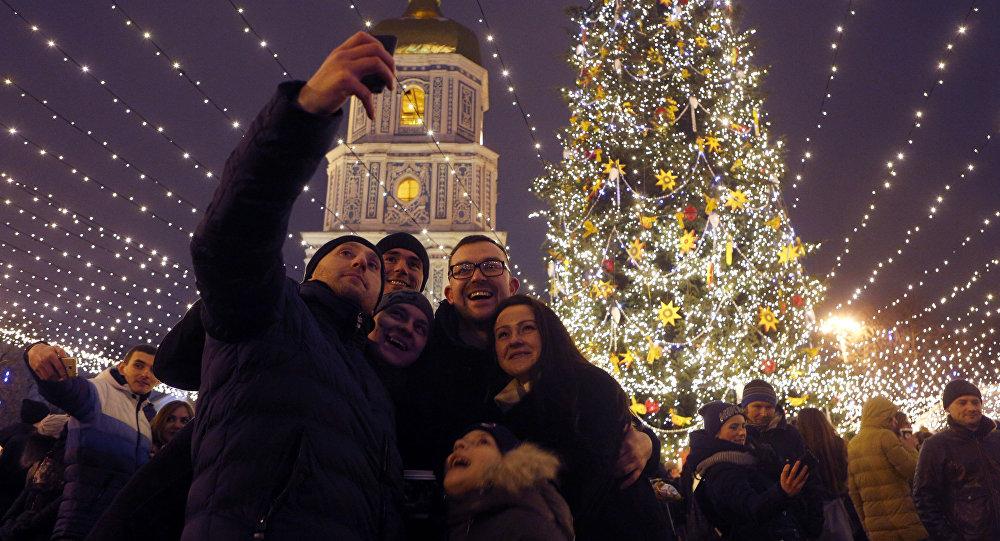 Deputowani ludowi Rady Najwyższej Ukrainy przyjęli ustawę w sprawie obchodzenia Bożego Narodzenia 25 grudnia i 7 stycznia