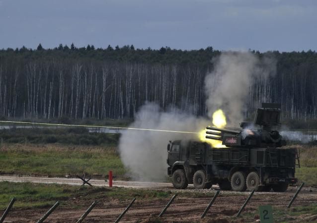 Rosyjski samobieżny przeciwlotniczy zestaw artyleryjsko-rakietowy Pancyr-S1