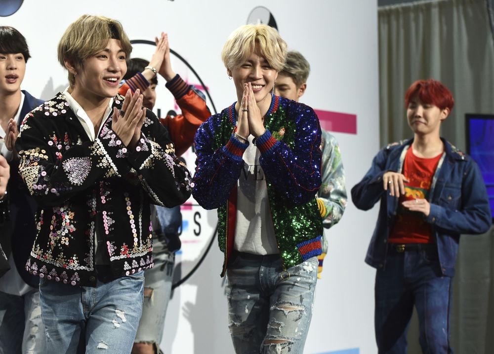Grupa BTS na ceremonii wręczenia nagród American Music Awards 2017