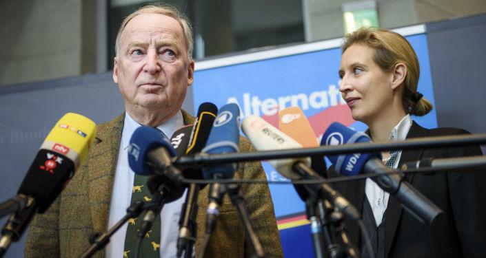 Liderzy prawicowej partii Alternatywa dla Niemiec Alexander Gauland i Alice Weidel