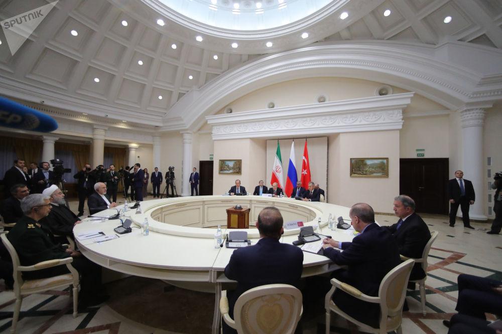 Spotkanie Putina, Rouhani i Erdogana w Soczi