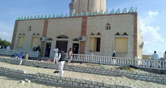 Meczet Rawda niedaleko od miasta El-Arisz na północy Synaju, gdzie doszło do zamachu