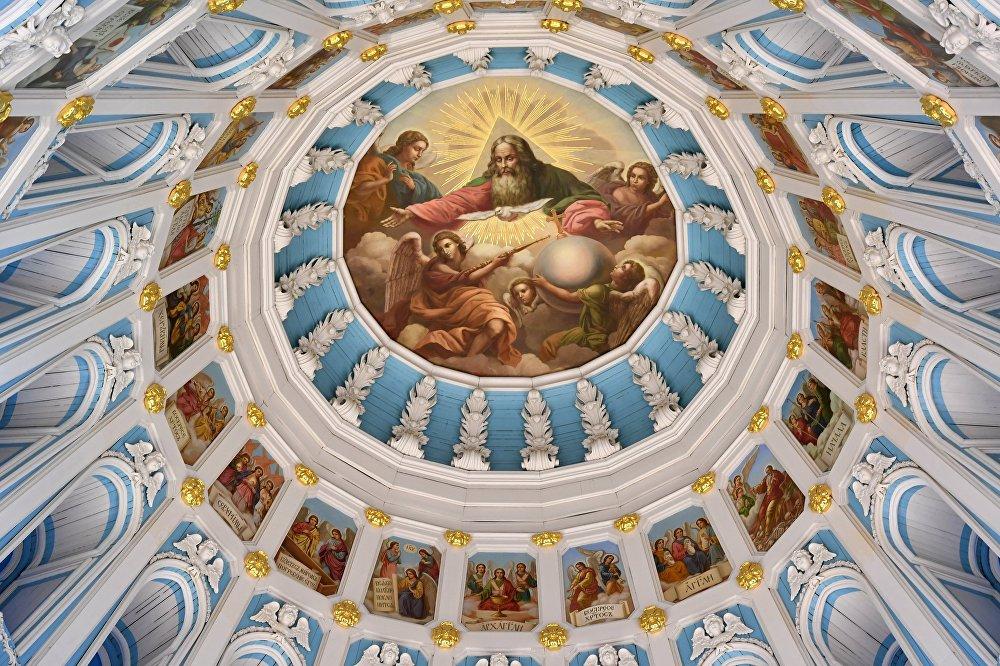 Nowo-Jerozolimski Monaster został zbudowany jako kopia najważniejszej świątyni świata chrześcijańskiego, świątyni Grobu Pańskiego w Jerozolimie.