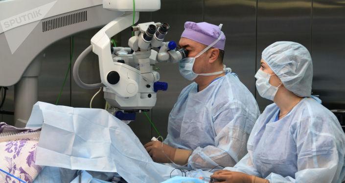 Mikrochirurgia oczu