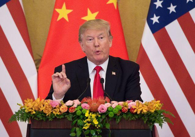 Prezydent USA Donald Trump w czasie wspólnej konferencji prasowej z liderem ChRL XI Jinpingiem w Pekinie