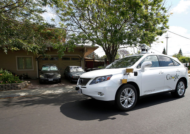 Bezzałogowy Lexus kompanii Google
