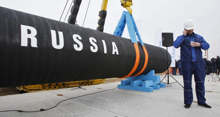 """Rozpoczęcie budowy """"Gazociągu Północnego"""" w Petersburgu. Zdjęcie archiwalne"""