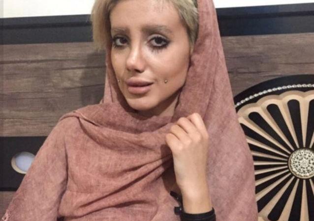 Iranka Sahar Tabat, która poddała się 50 operacjom plastycznym