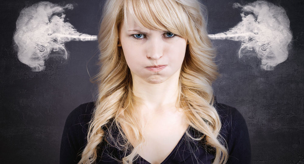Zdenerwowana dziewczyna