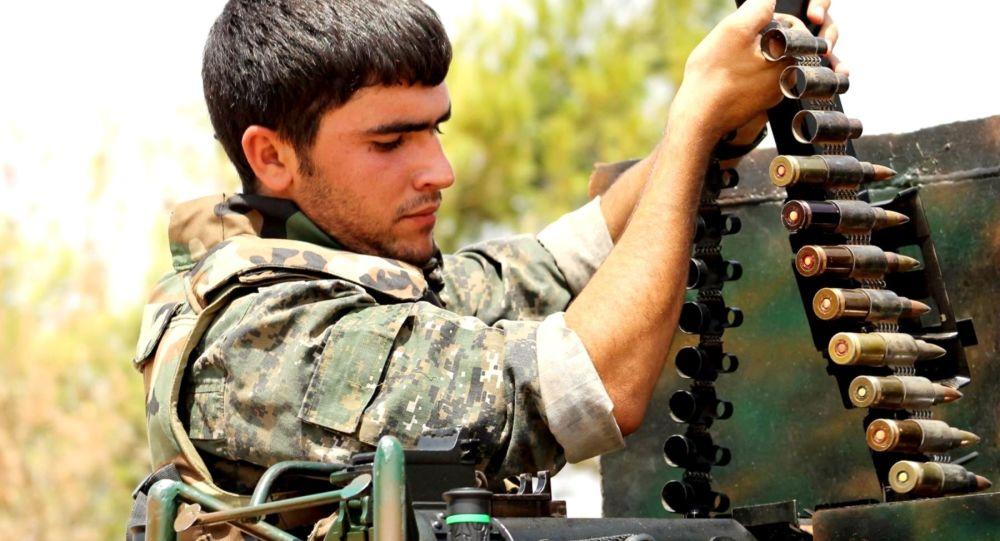 Bojownik Kurdyjskiego Oddziału Narodowej Samoobrony