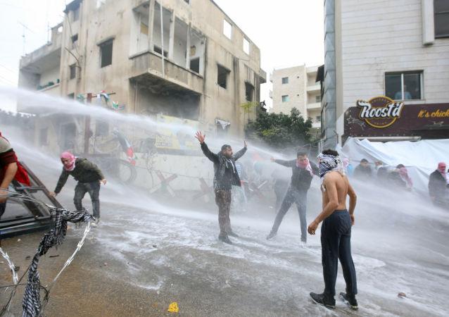 Bejrut: Protesty pod ambasadą USA