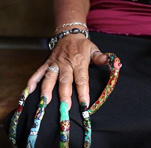 Ta kobieta posiada najdłuższe paznokcie w Kolumbii