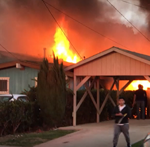 Lekki samolot spadł na dom  w amerykańskim San Diego