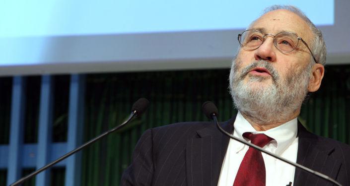 Amerykański ekonomista Joseph E. Stiglitz