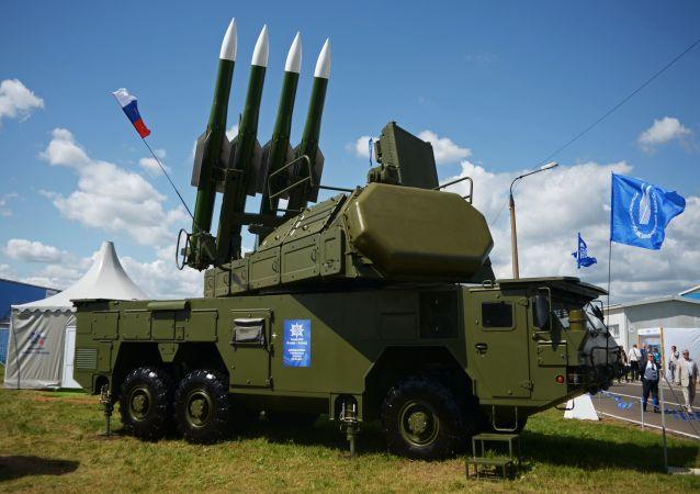 Samobieżna wyrzutnia 9А317 ze składu systemu przeciwlotniczego Buk-M2E