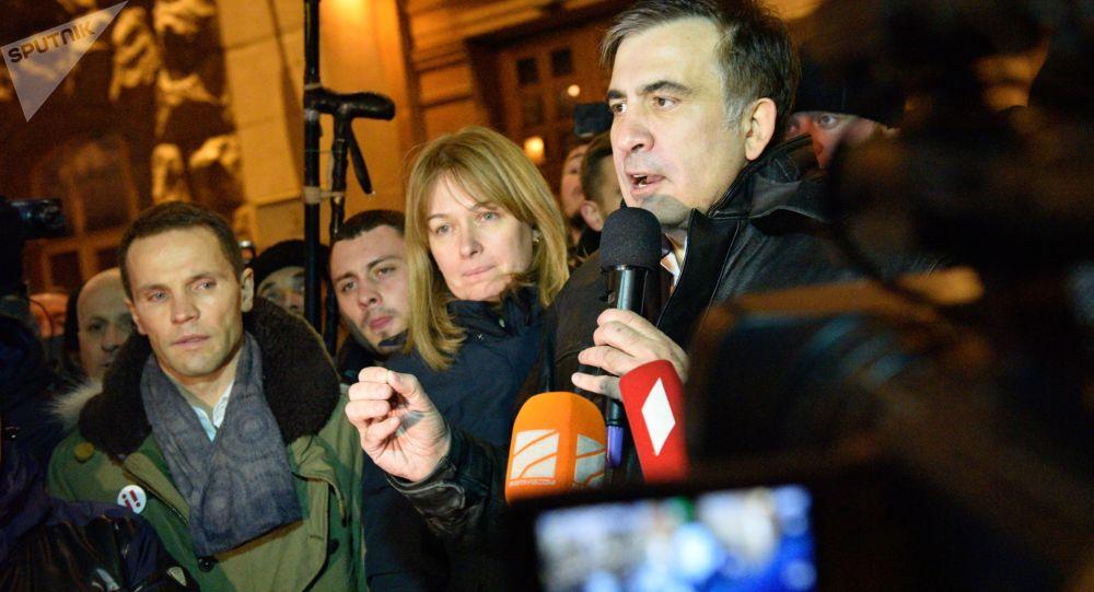 Były prezydent Gruzji, były gubernator obwodu odeskiego Michaił Saakaszwili nieopodal Placu Niepodległości w Kijowie