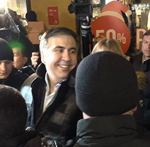 Saakaszwili przed zwolennikami w Kijowie po wyjściu z aresztu