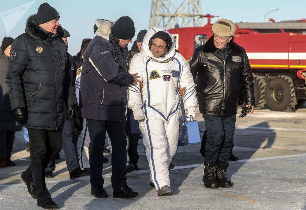 Anton Szkaplerow - kosmonauta Roskosmosu przed startem rakiety nośnej Sojuz-FG ze statkiem załogowym Sojuz MS-07