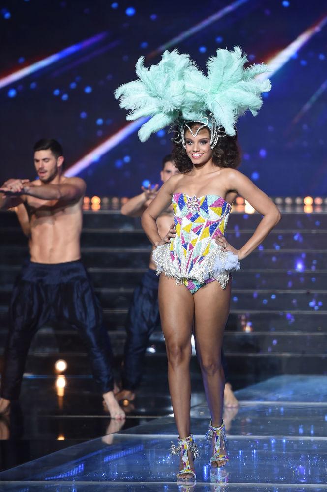 Miss Francji 2017 Alicia Aylies na konkursie piękności Miss Francji 2018