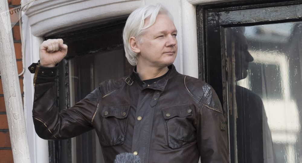 Założyciel WikiLeaks Julian Assange