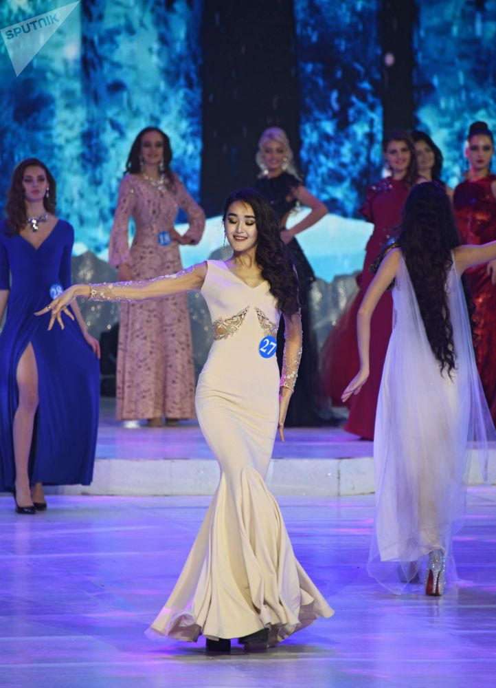 Aliya Iskanderova - pierwsza wicemiss konkursu Ambasadorka piękności w Mandżurii
