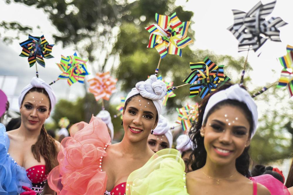 Na festiwal dotarli też tancerze salsy z innych państw.