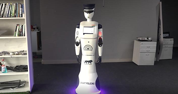 Robot policjant z Indii