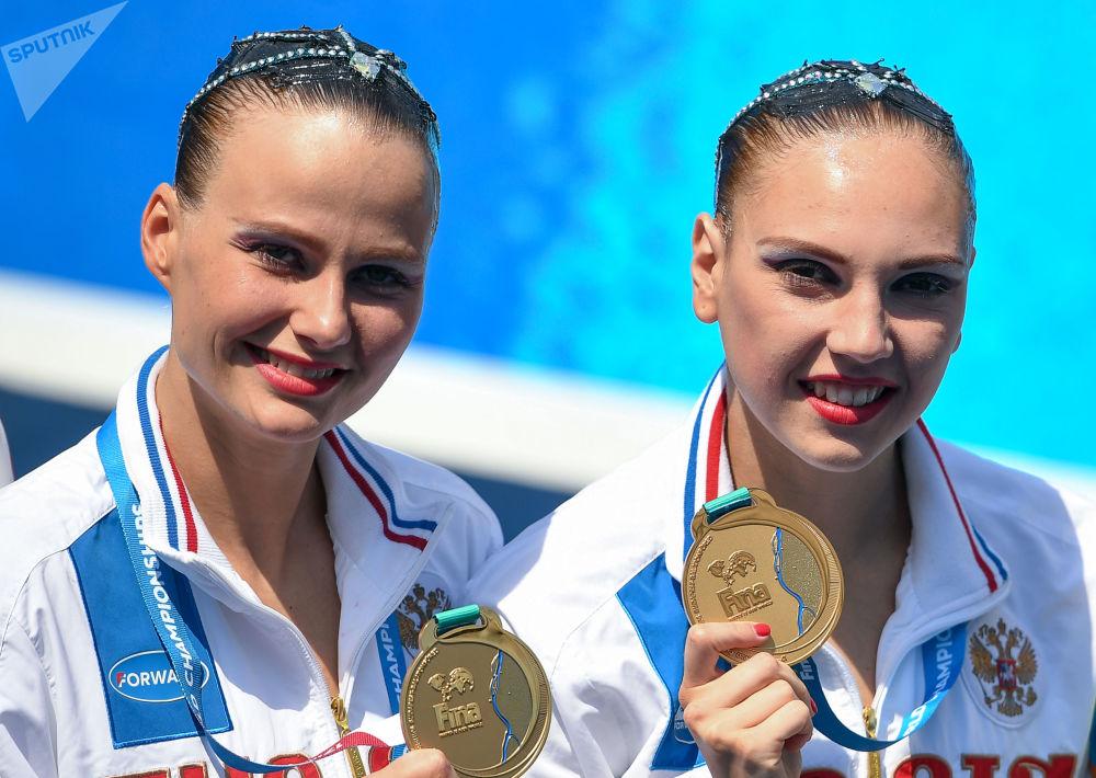 Svetlana Kolesnichenko i Aleksandra Packiewicz, rosyjskie pływaczki