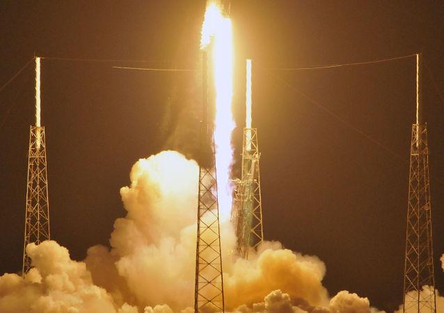 Start rakiety Falcon 9 z tajnym satelitą Zuma