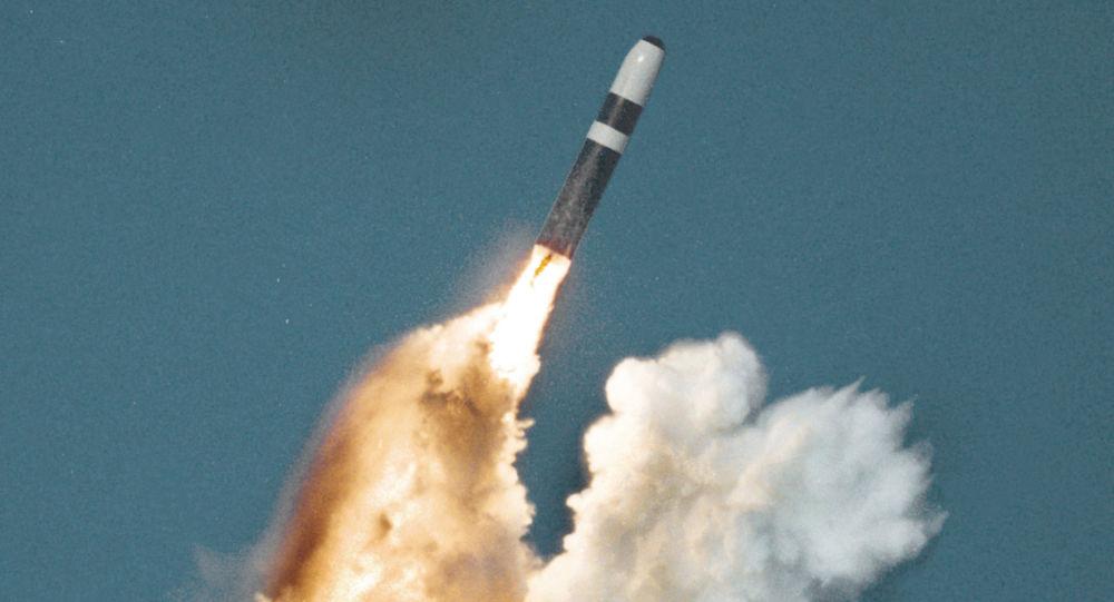 Wystrzelenie rakiety balistycznej Trident II D5. Zdjęcie archiwalne