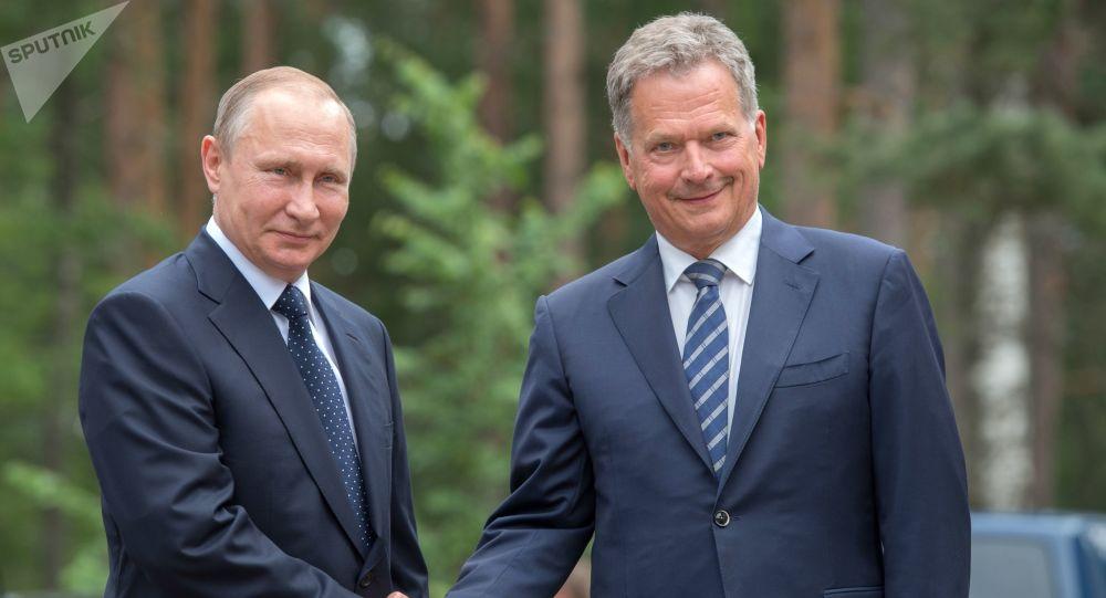 Prezydent Finlandii Sauli Niinistö na spotkaniu z prezydentem Rosji Władimirem Putinem