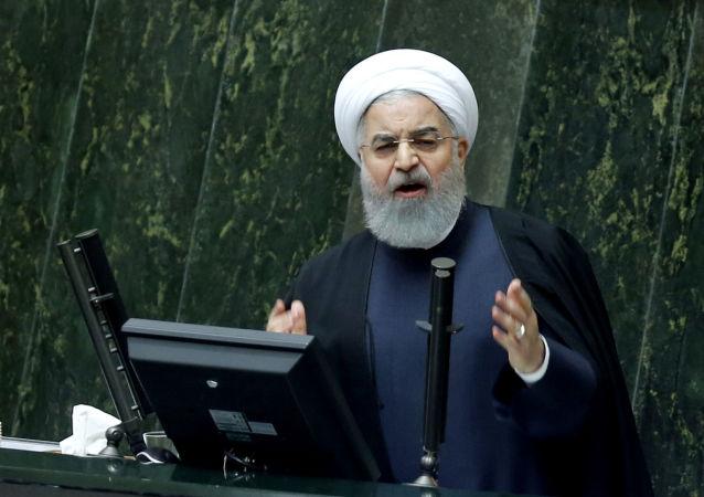Prezydent Iranu Hassan Rouhani podczas wystąpienia