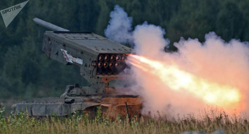 """Ciężki miotacz ognia na bazie czołgu T-72 TOS-1 """"Buratino"""""""