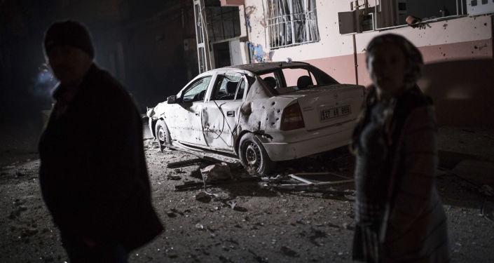 Cztery rakiety wystrzelone z terytorium Syrii spadły wcześnie rano w niedzielę na miasto Kilis na południu Turcji przy granicy z Syrią