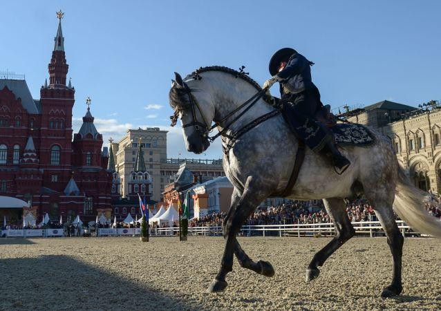 Pokazy na Placu Czerwonym w Moskwie