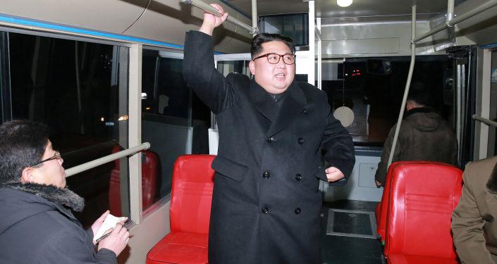 Kim Dzong Un w trolejbusie
