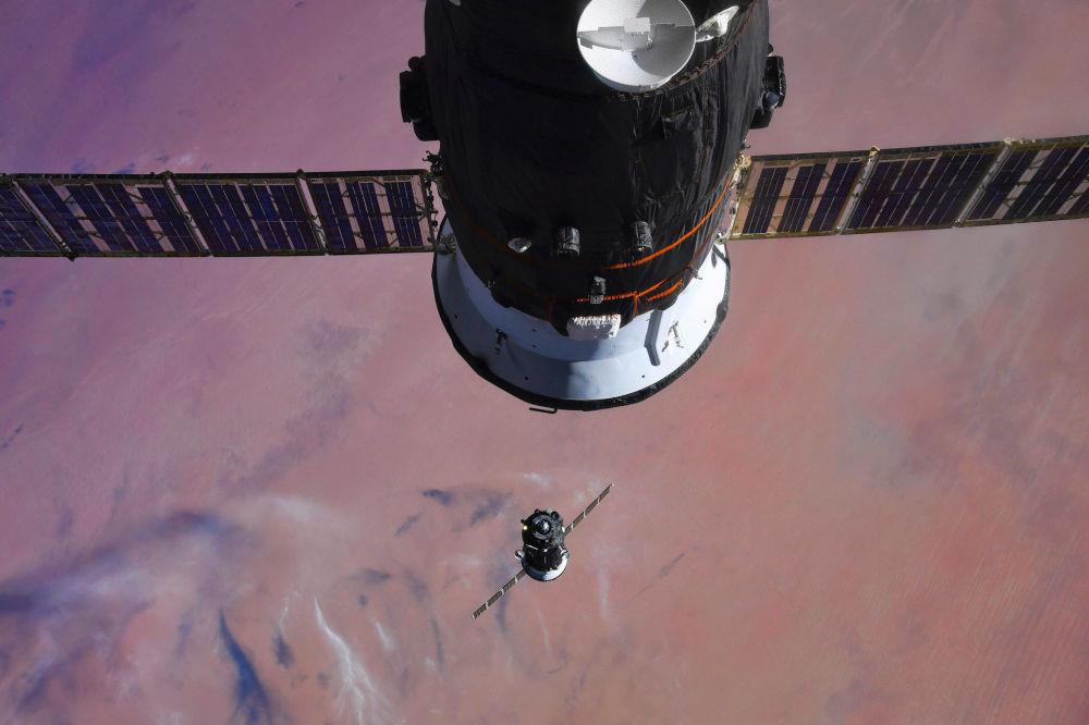 Dokowanie Sojuz MS-07 do MSK