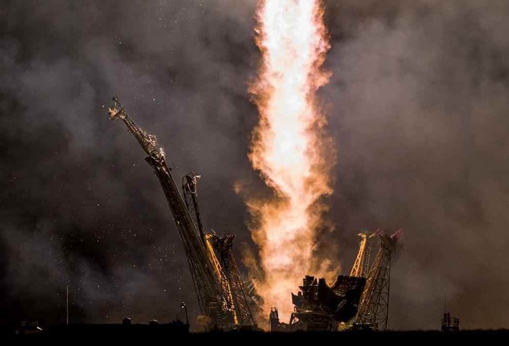 Start rakiety Sojuz TMA-14M na kosmodromie Bajkonur