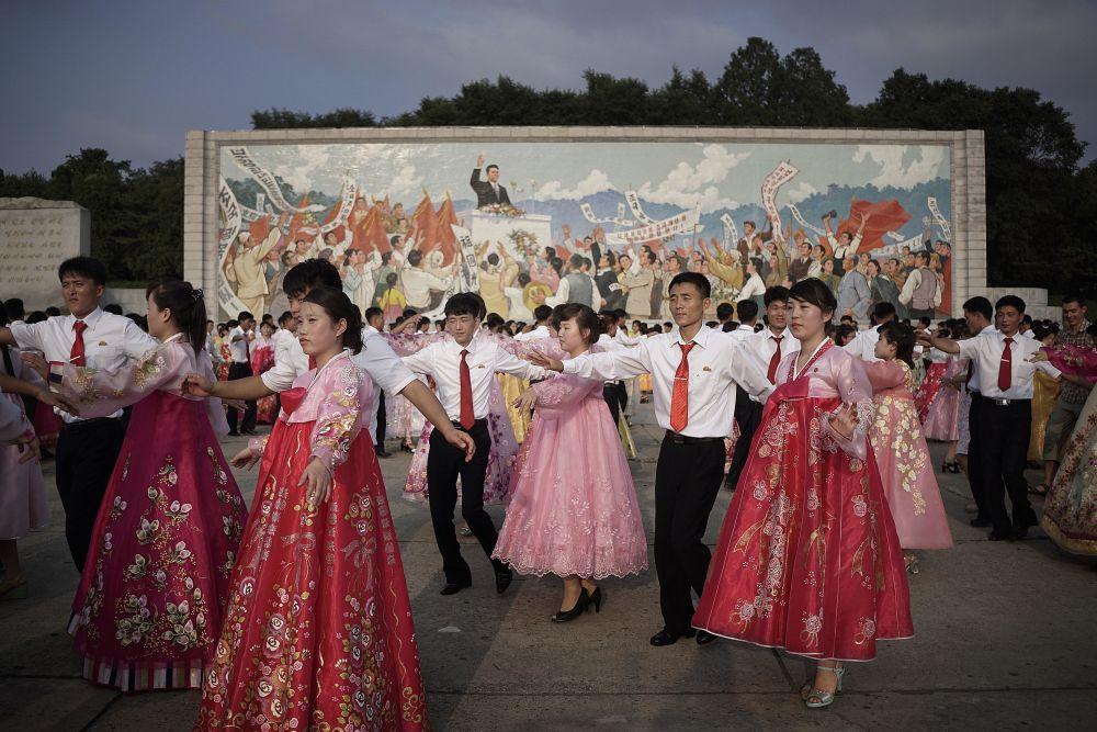 Występ studentów podczas obchodów 62. rocznicy zakończenia wojny koreańskiej