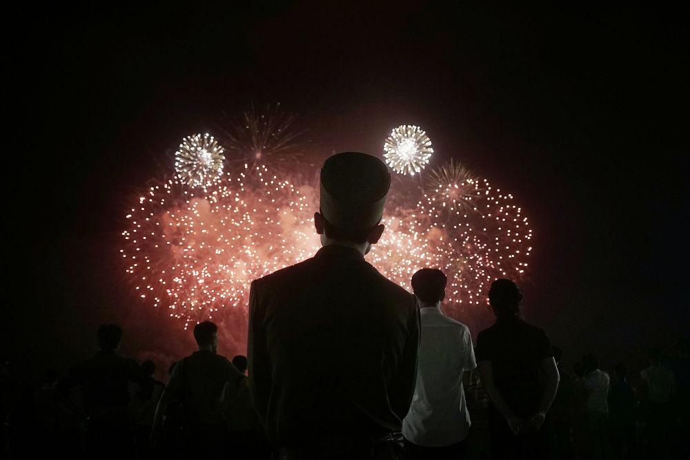 Fajerwerki w dniu obchodów 62. rocznicy zakończenia wojny koreańskiej
