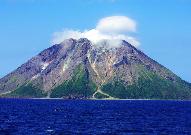 Japońska wyspa Satsuma Iōjima na Morzu Wschodniochińskim