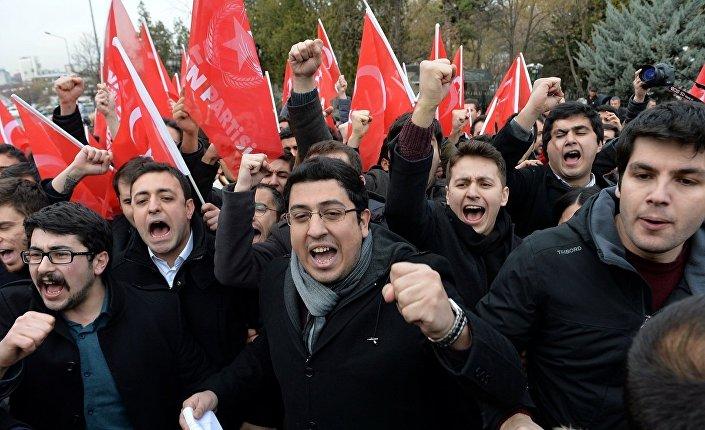 Protesty w Ankarze przed wizytą Rexa Tillersona