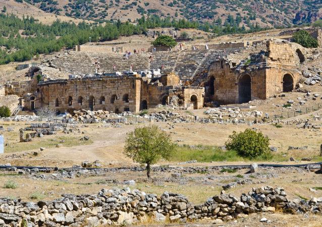 Starożytne miasto Hierapolis na terytorium obecnej Turcji