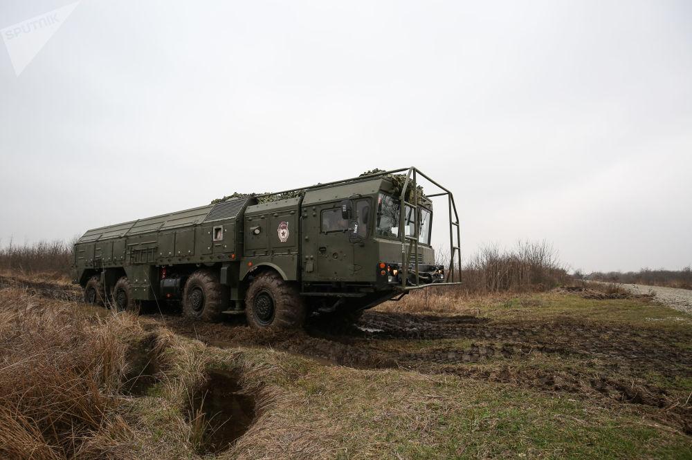 """Ćwiczenia jednostek systemu rakietowego """"Iskander-M"""""""