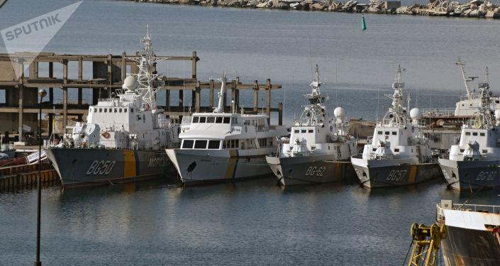 Statki ukraińskiej straży wybrzeża w porcie odeskim