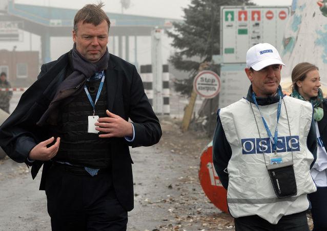 Wiceszef specjalnej misji monitoringowej OBWE na Ukrainie Alexander Hug