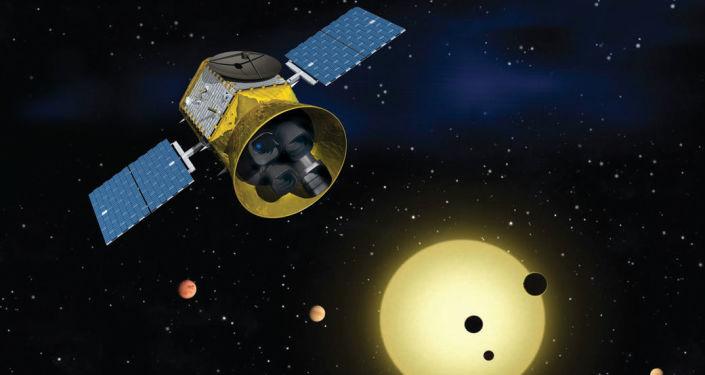 Teleskop TESS, który potrafi wykrywać tysiące egzoplanet